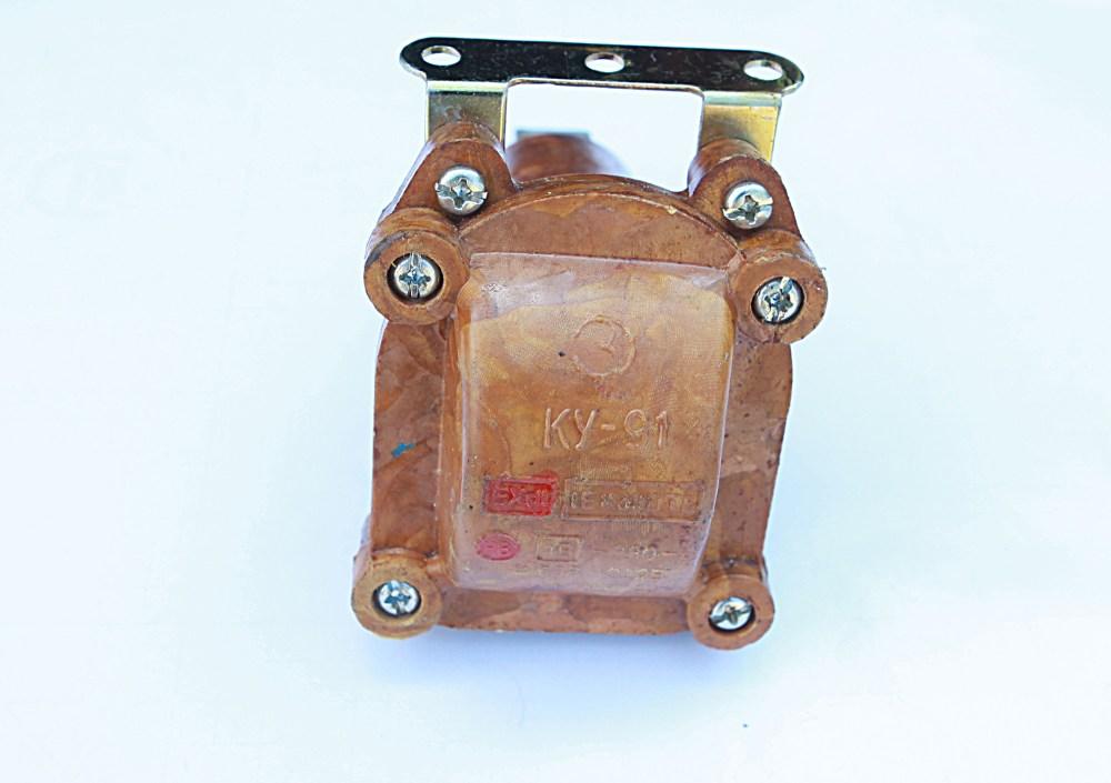Nút bấm KY 91: 220V - 330V - 10A